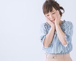 和式トイレのリフォーム方法で悩む女性